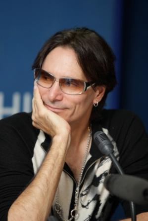 Steve Vai - Photo credit: Sergey Tynku