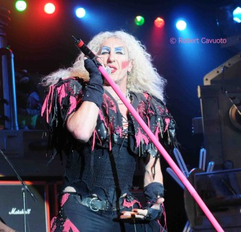 Twisted Sister Christmas.Twisted Sister Blows Lid Off Nyc With Christmas Spectacular