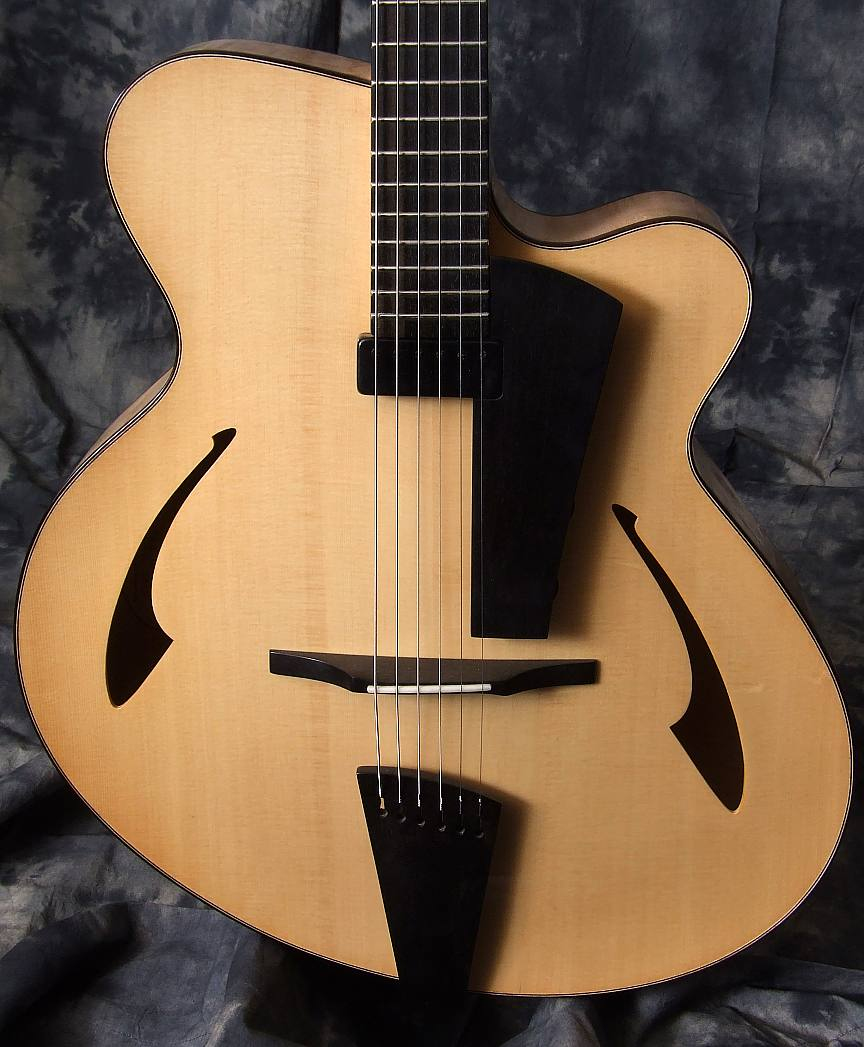 Eastman_PG2_Pagelli_Jazz_Guitar_tp