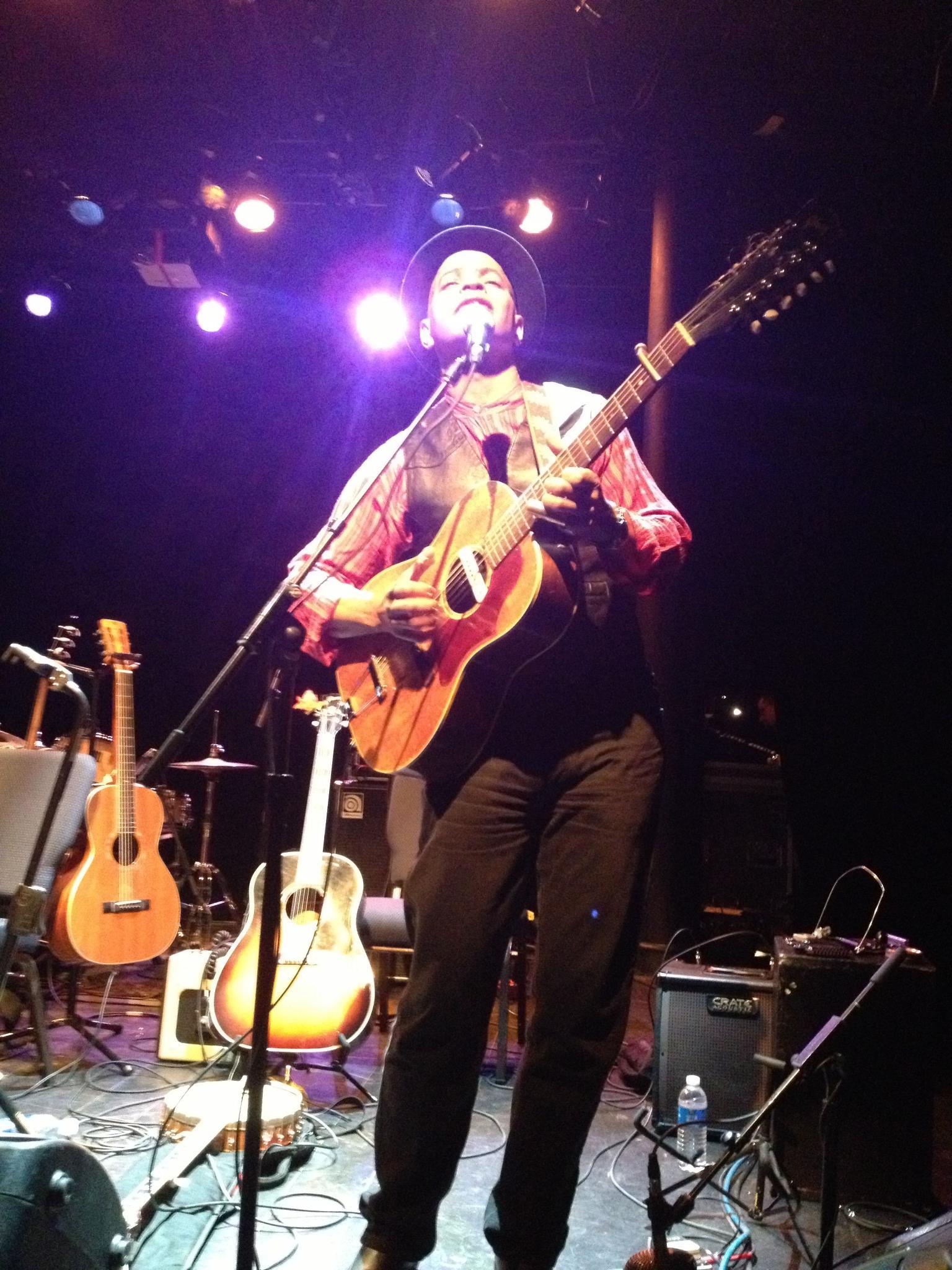Guy Davis 12 string